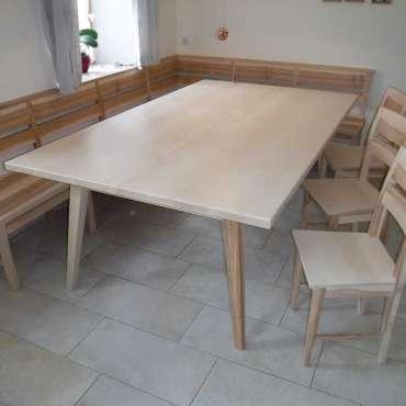 Sitzgruppe in Esche, Tischplatte in Ahorn